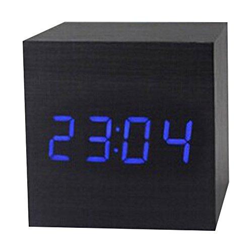 Hense LED Holz Digital Wecker, zeigt Zeit Datum und Temperatur, quadratisch Holz-Form Sound Kontrolle Schreibtisch Wecker für Kid & Home & Office & Leben und schwere Schläfer, betrieben von AAA Akku oder USB-Kabel (hm33)