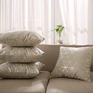 Deconovo Kissenbezug Wohnzimmer Kissenhülle Sofa Foliendruck 45×45 cm Dreieck Silber 4er set