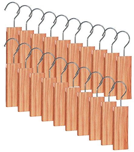 infactory Zedernholz-Mottenschutze: Große Zedernholz-Blöcke mit Metallhaken gegen Motten, 20er-Set (Zedernholzblöcke gegen Motten)